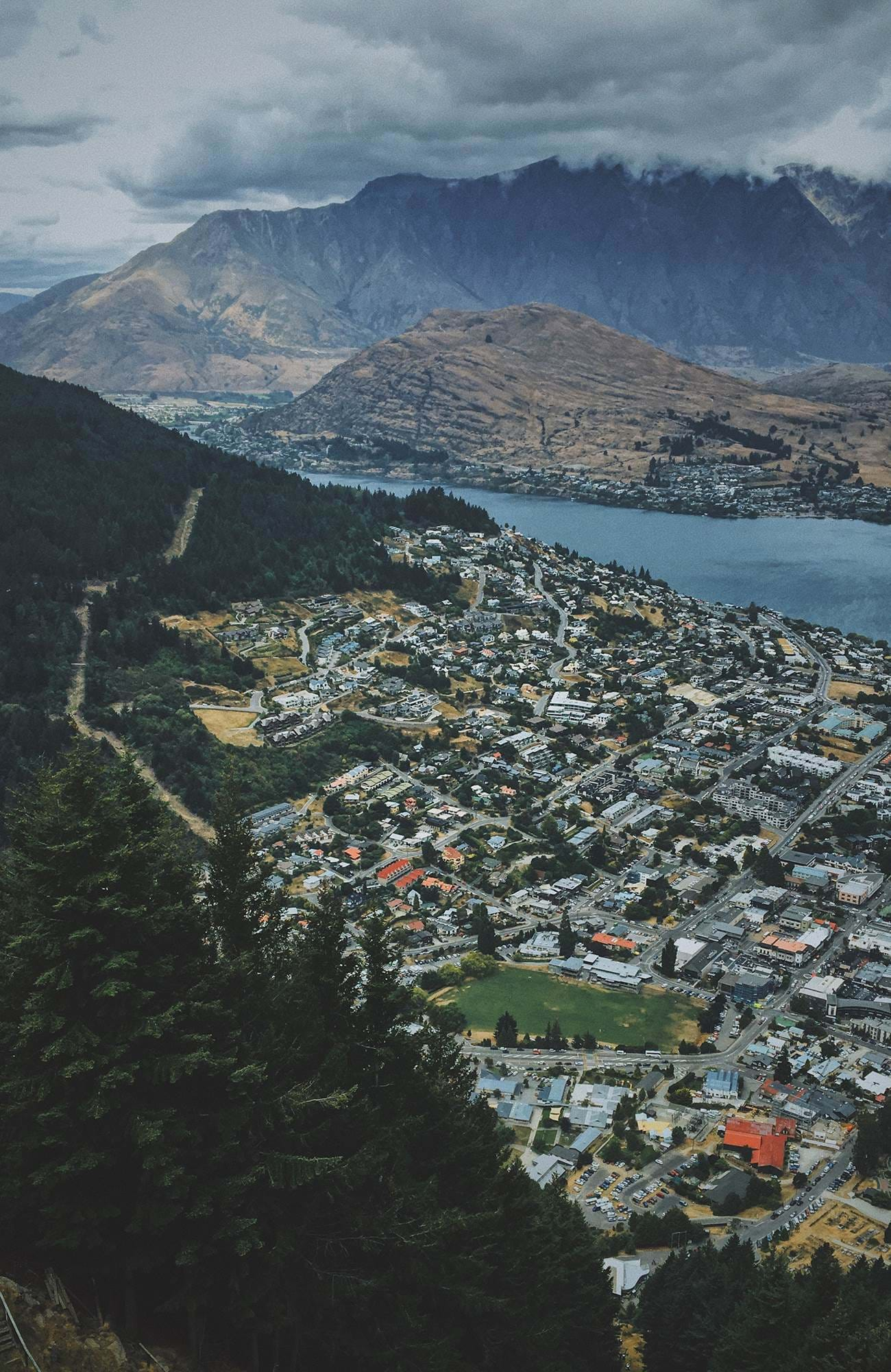 queenstown-city-view-from-above-sidebar