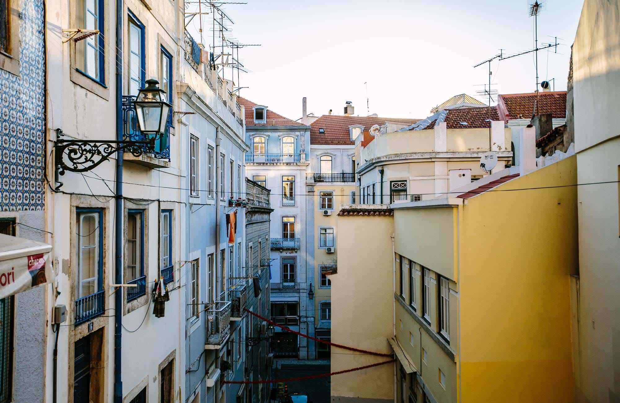 lisbon-city-view-colourful-building-cover