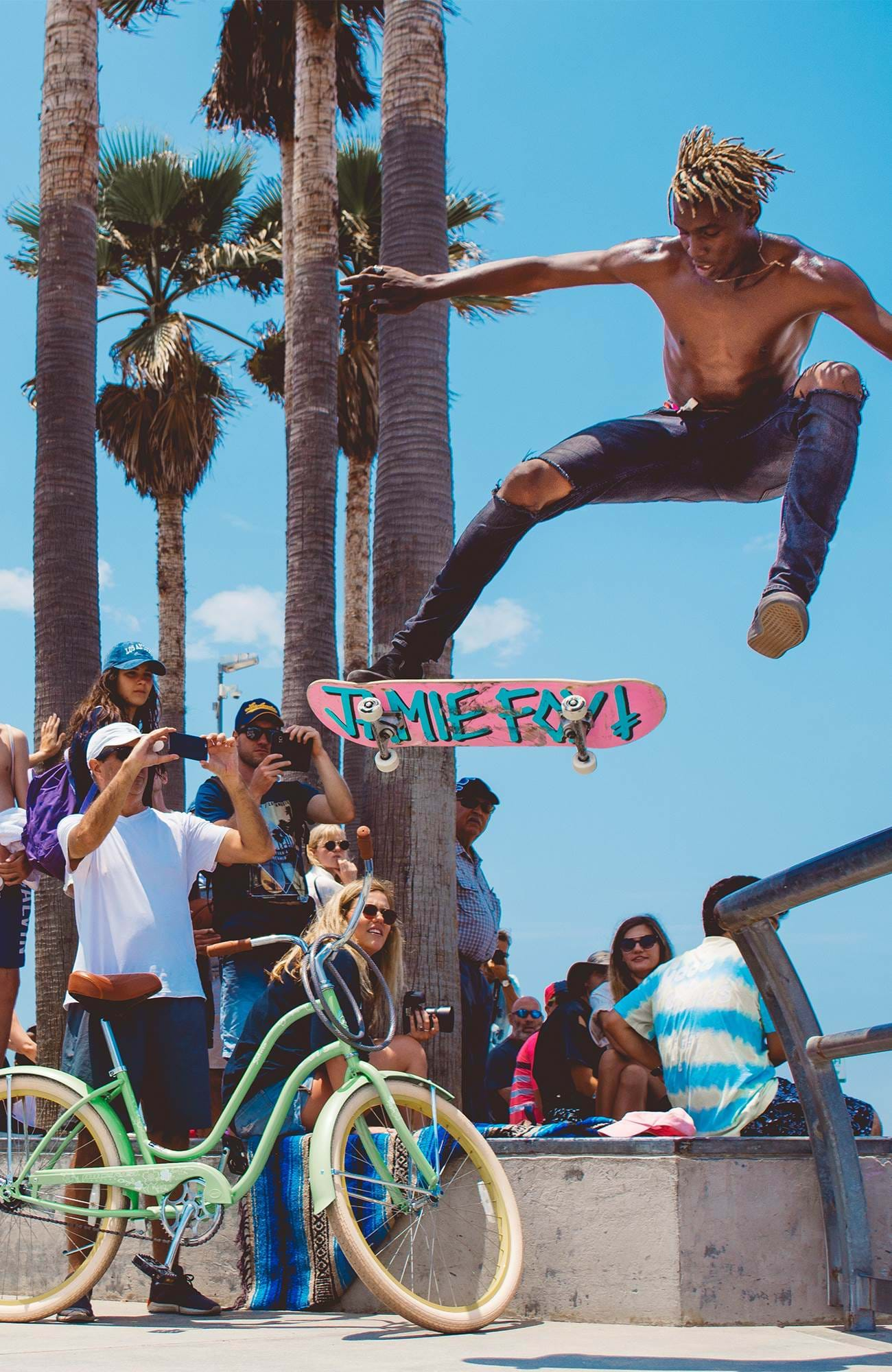 los-angeles-usa-california-beach-skateboard-sidebar