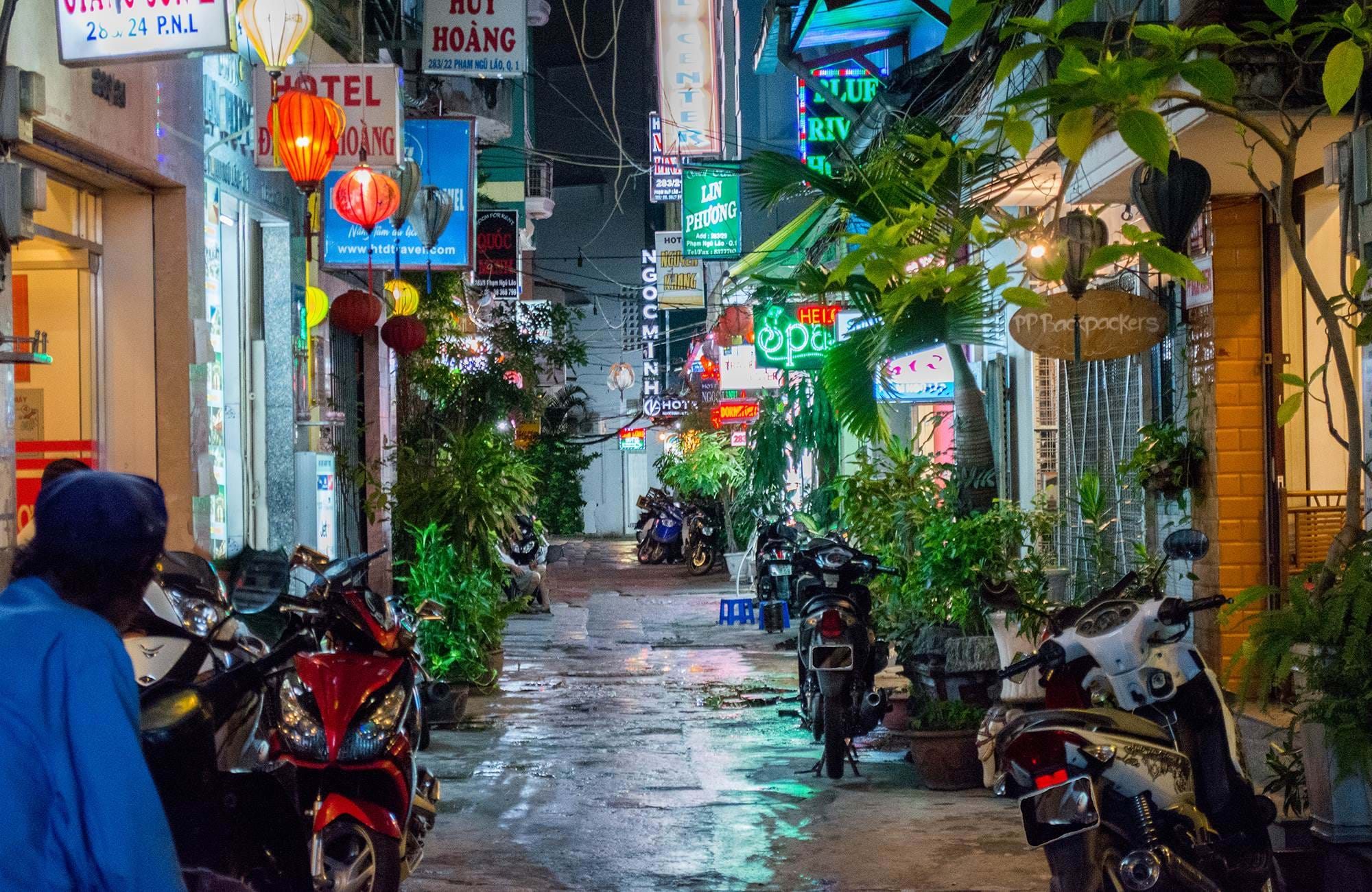 ho-chi-minh-city-vietnam-bui-vien-backpacking-street-cover