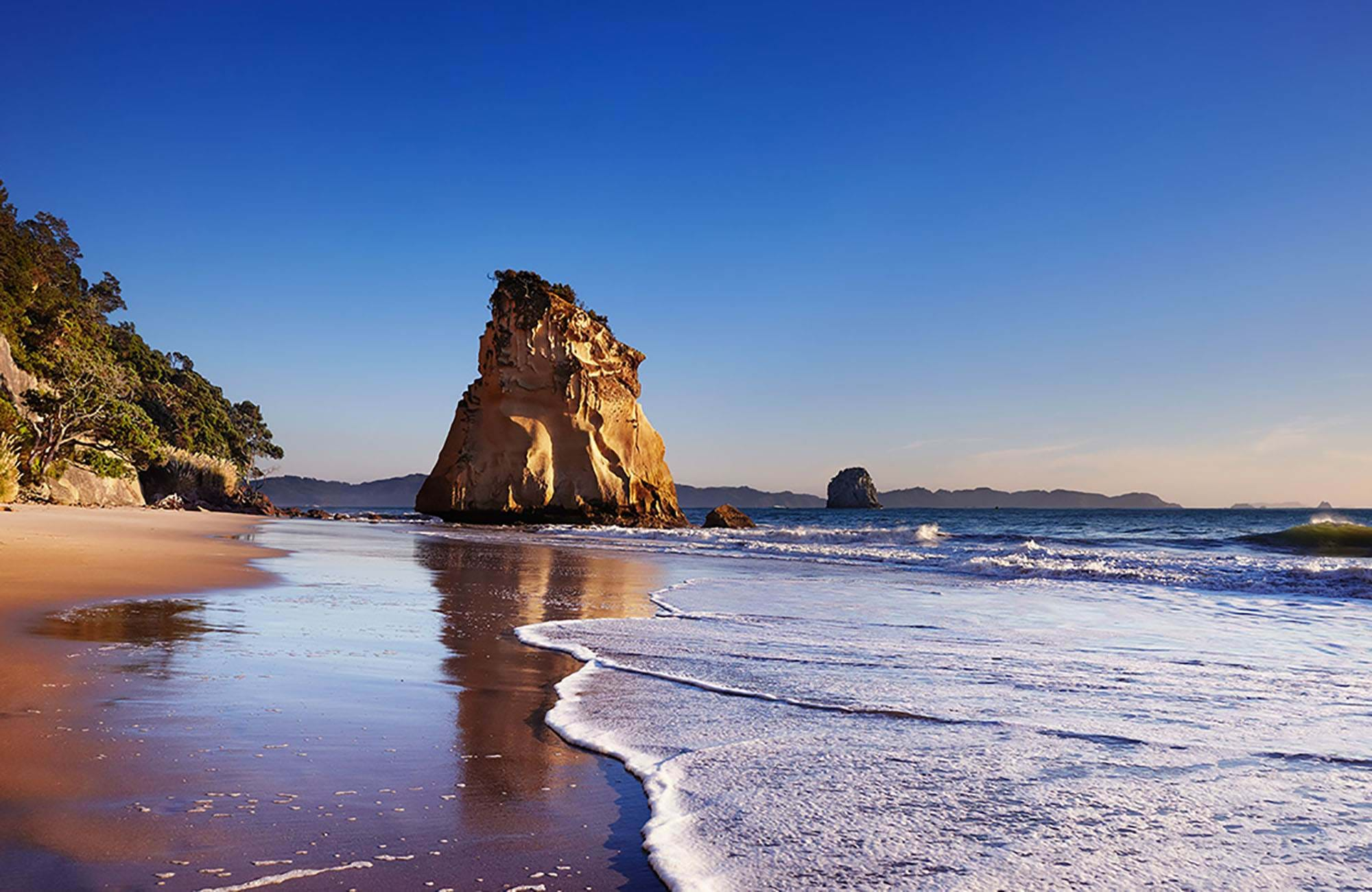 new-zealand-catherdral-cove-cover